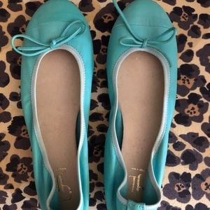 BRAND NEW Turquoise Leather Cap Toe Ballet Flats